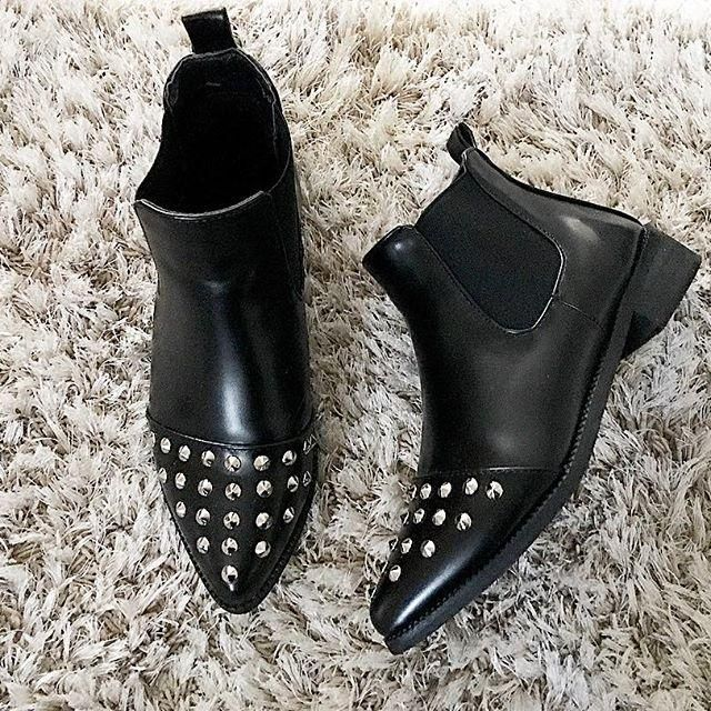 i like the shoes ,it is so cool ,quality is very good , it is my style