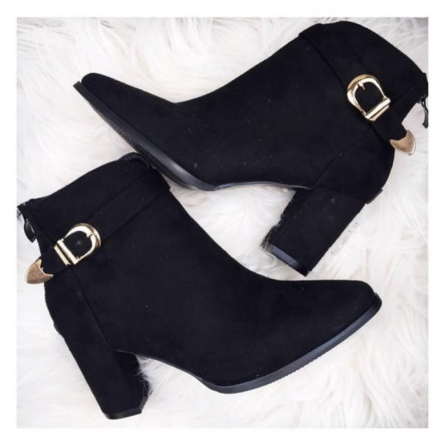Black Ankle Boots!The quality is so good and I love the belt design details. The size is just fine but I guess people…