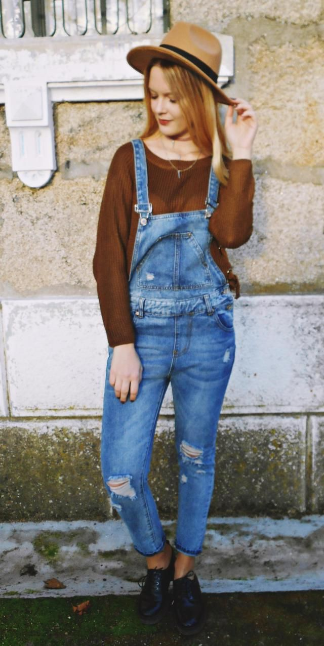 I'm loving this denim overalls! They are soo cool and comfy! They are size M.