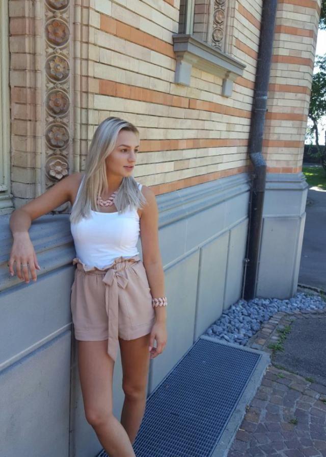 Ich liebe die Hose von @zaful, sie ist elegant und gleichzeitig lässig!!