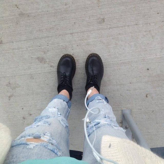 I am crazy about ripped jeans..