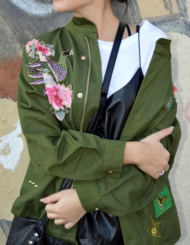 So in love with this embroidery trend! This jacket <3