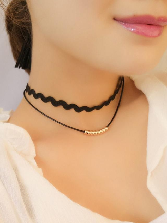 Zaful.The only store that has amazing collection of chokers.You agree?