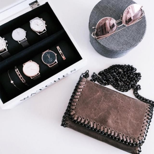 Look this beautiful sunglasses!! I love the rose gold!♥