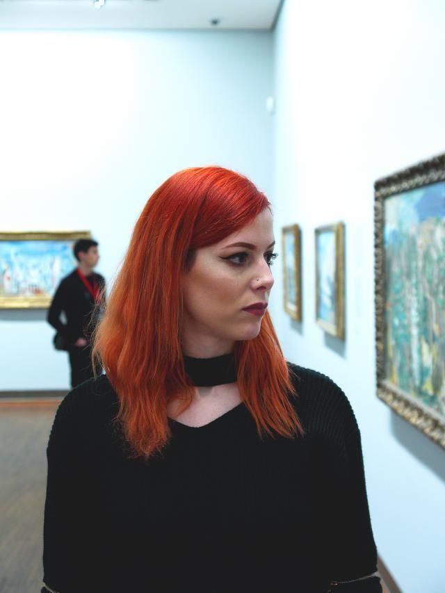 Lost in paintings