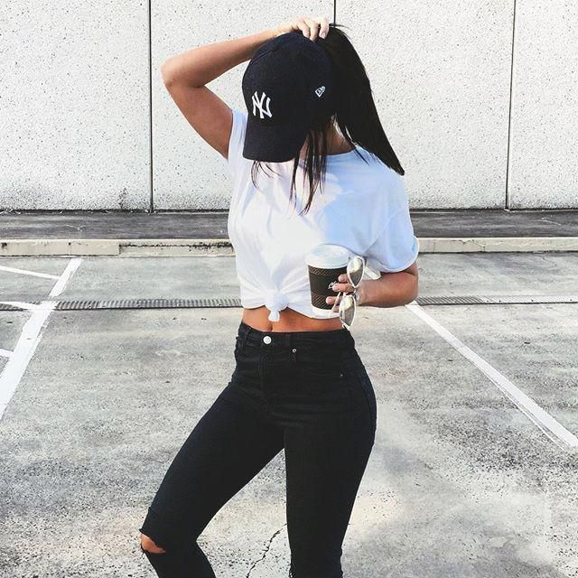 This outfit is super cute even if it is simple What do you think?