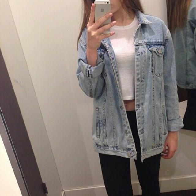 This is super cute, jeans jackets with white tees are a must for spring