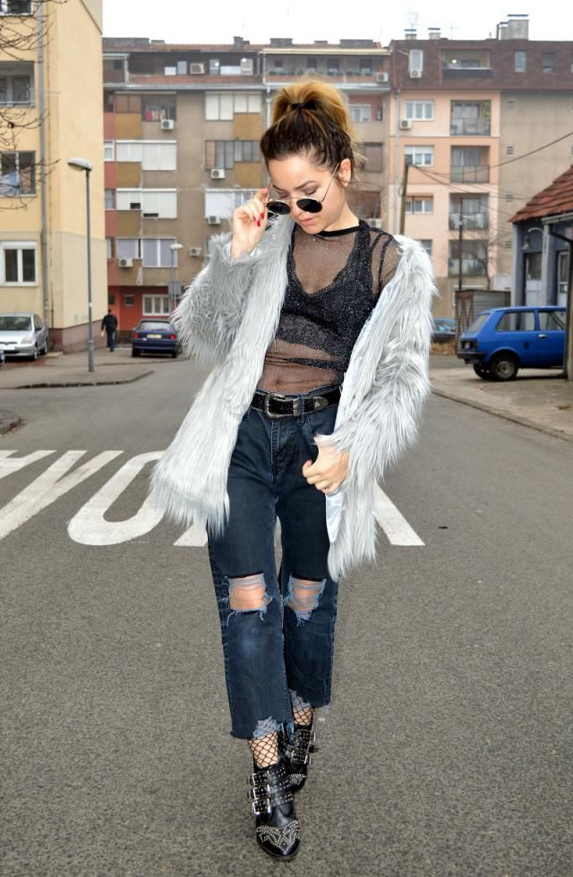 Mesh and fur combo <3