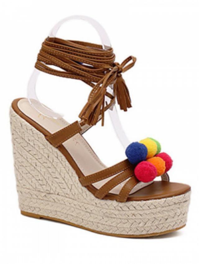 Beautiful sandals, perfect for summer days that will come. I&;d love to own them and combine with all combinations of f…