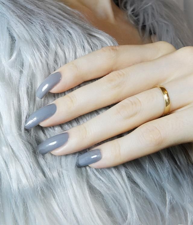 Nails of the day to match this gorgeous fur vest