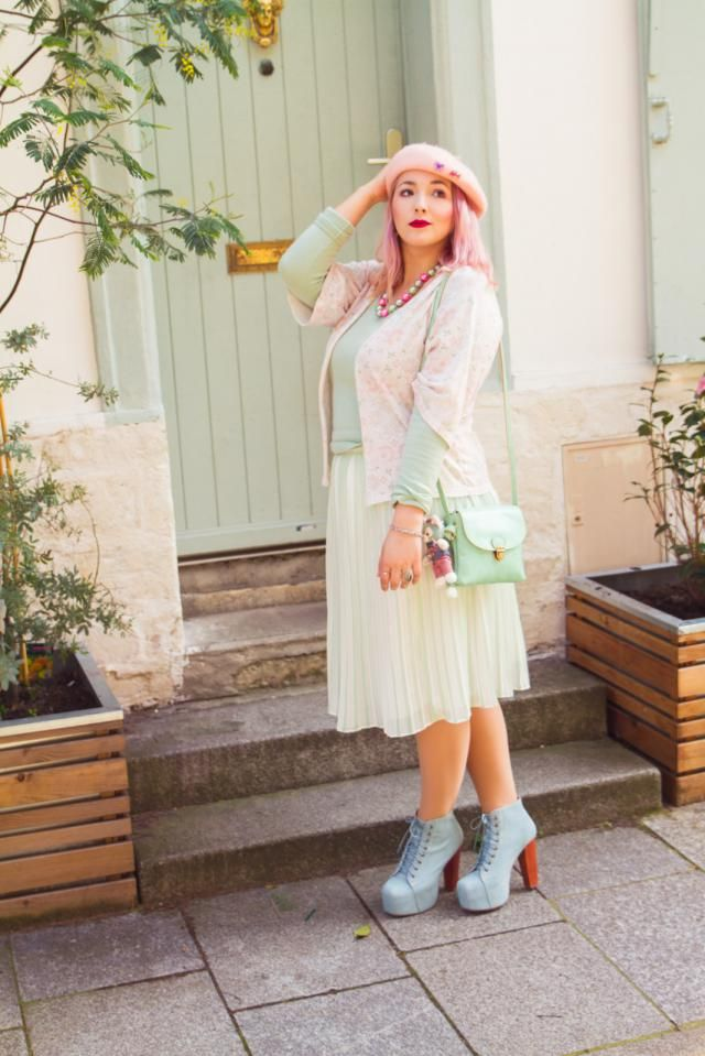 Candy Pastel outfit in Paris ♥  http://carnetsdalice.com/candy-mint-rose/