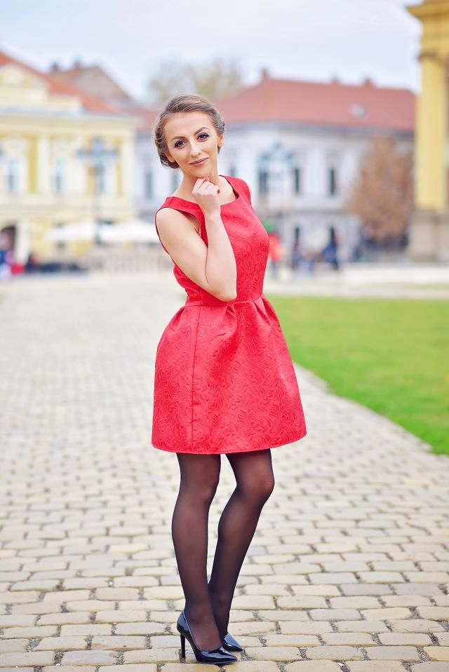 http://www.zaful.com/sleeveless-jacquard-mini-dress-p_183205.html