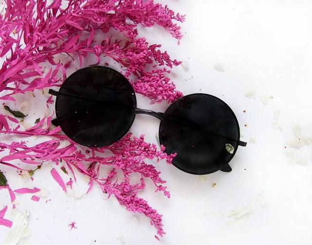 Review of this sunglasses you can see here:  https://goo.gl/g1P4Qk