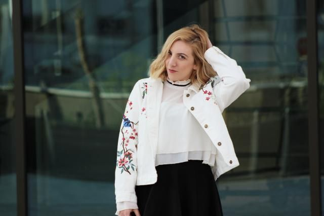 White embroidered denim jacket. Check new blog post: https://theninebyivana.blogspot.com/2017/04/white-denim-jacket.htm…