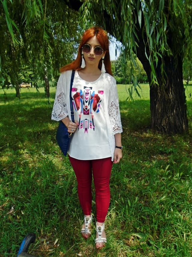 These colors are great for festival look and simply spring. Love my blouse, one of my faves. :)