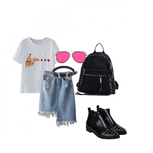 Hello guys! So this one's my first outfit here on Z-me. It is suuper simple and comfy but also got roch-ish vibe. I've…