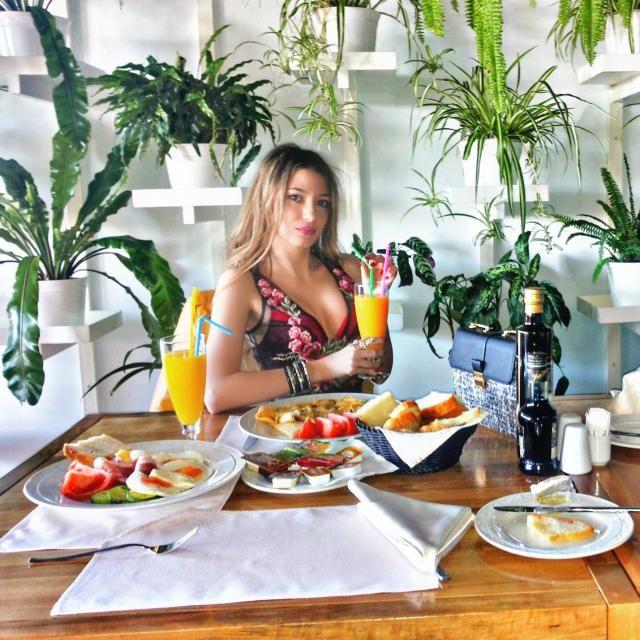 IG: @tijamomcilovic Vacation in Montenegro  Bag ,