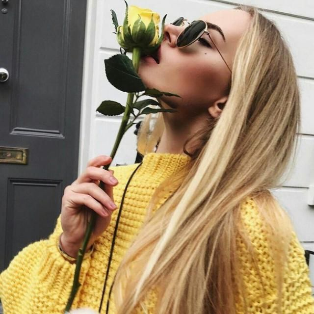 yellow is a wonderful color for spring! do you like roses?  ♥