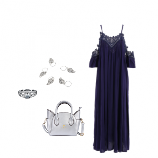 This long dark blue laced dress paired with some silver acessories makes the perfect outfit Enjoy!