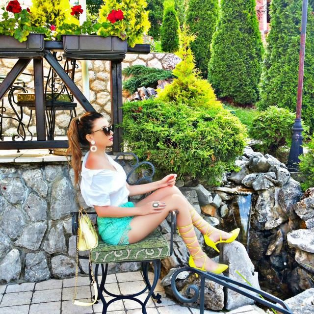 New post http://itsmetijana.blogspot.rs/2017/07/zlatibor-lace-shorts.html