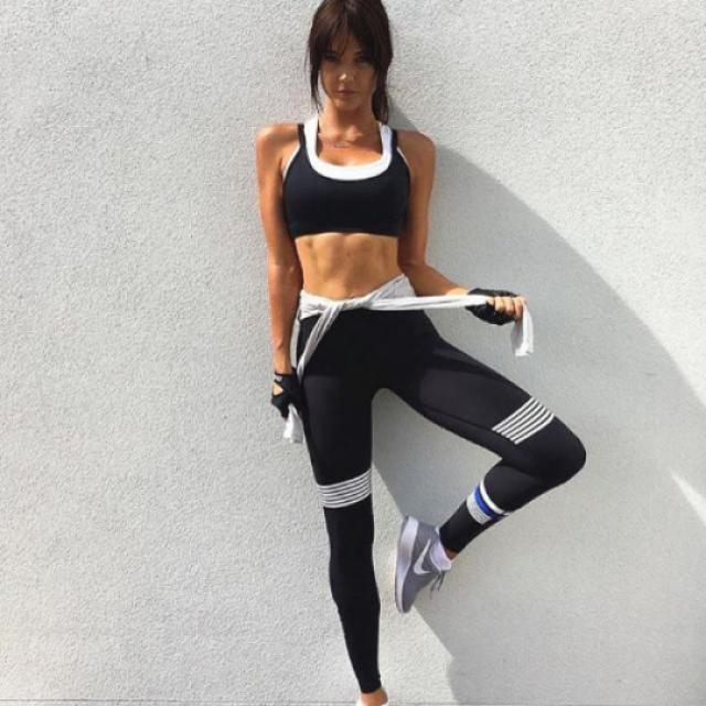 55a2dc888967d 23% OFF] 2019 Midi Waist Capri Mesh Panel Workout Leggings In BLACK ...