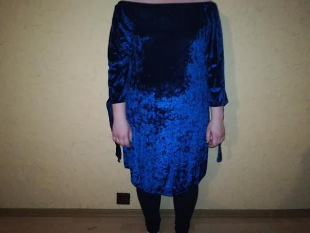 sukienka welurowa hiszpanka z przodu