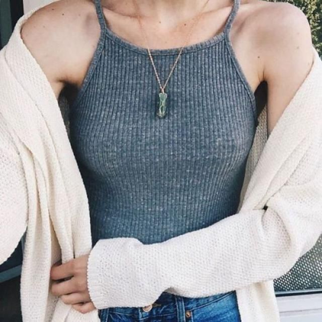 Beautiful gray crop top! do you like it? let me know in the comments!❤️❤️❤️❤️❤️❤️❤️❤️❤️                       …