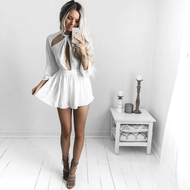 76a6861697689 31% OFF  2019 White Halter Backless Romper In WHITE