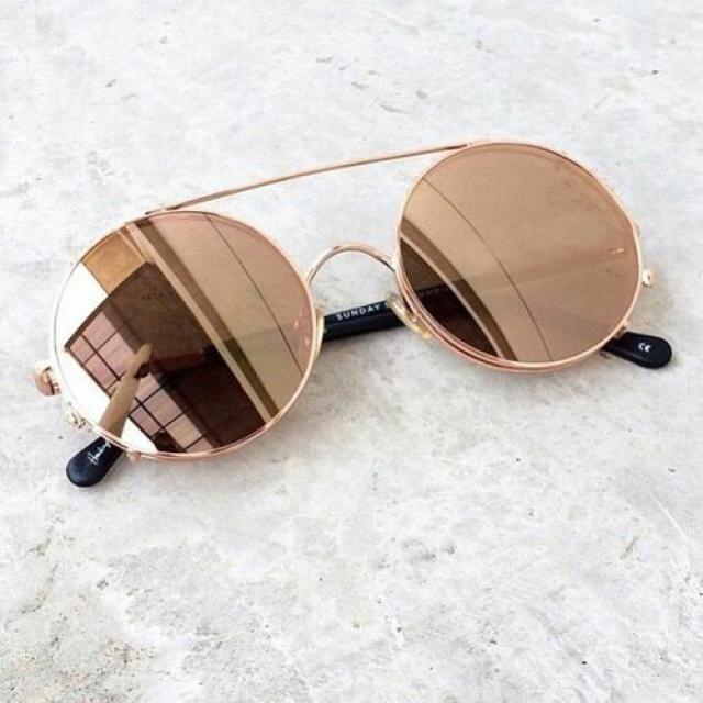 Beautiful round sunglasses!♥♥