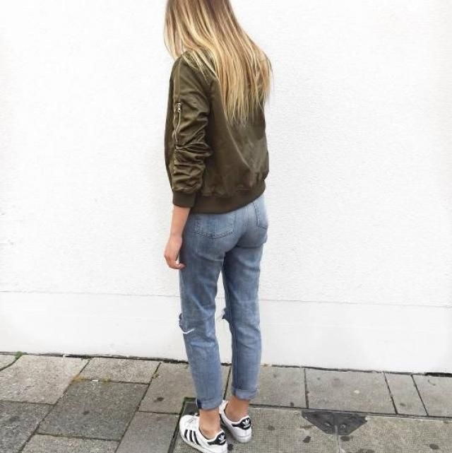 Beautiful army green bomber jacket !!♥♥