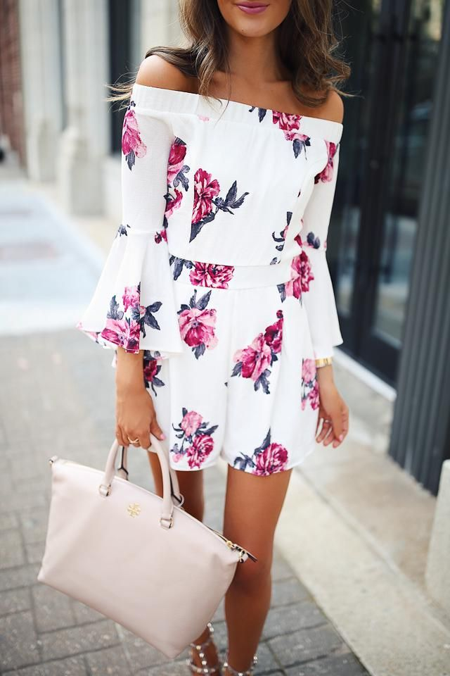 Beautiful floral dress for summer, so fresh and girly!