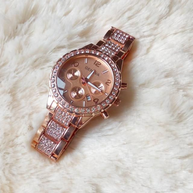 I like rose gold is one of my fav trends this season <3 In love of my new watch