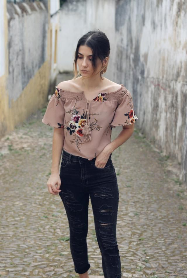 Off the shoulder. <3 