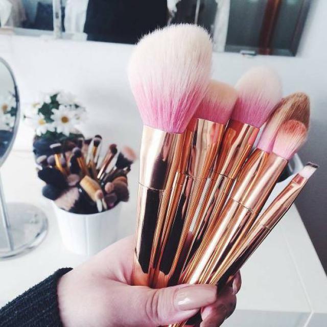 Beautiful brushes!!♥♥