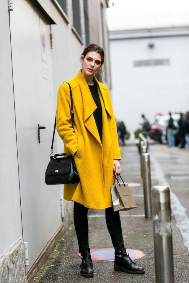 This coat is very stylish and fashionable!!