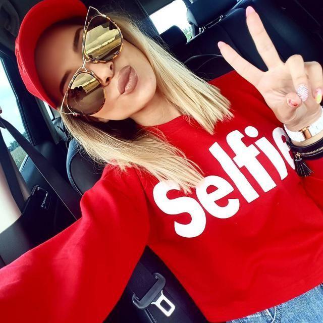 Cropped Selfie Sweatshirt!!!