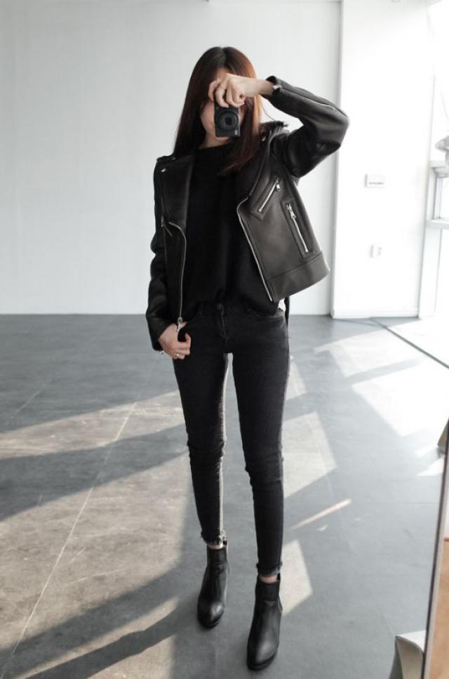 Teen style, black boots, jacket!!
