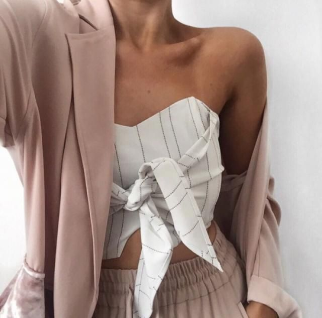 This is so chic and so girly! I absolutely love this look  3top