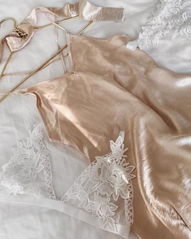 Gorgeous, Golden and Satin ... With a Fabric Chocker
