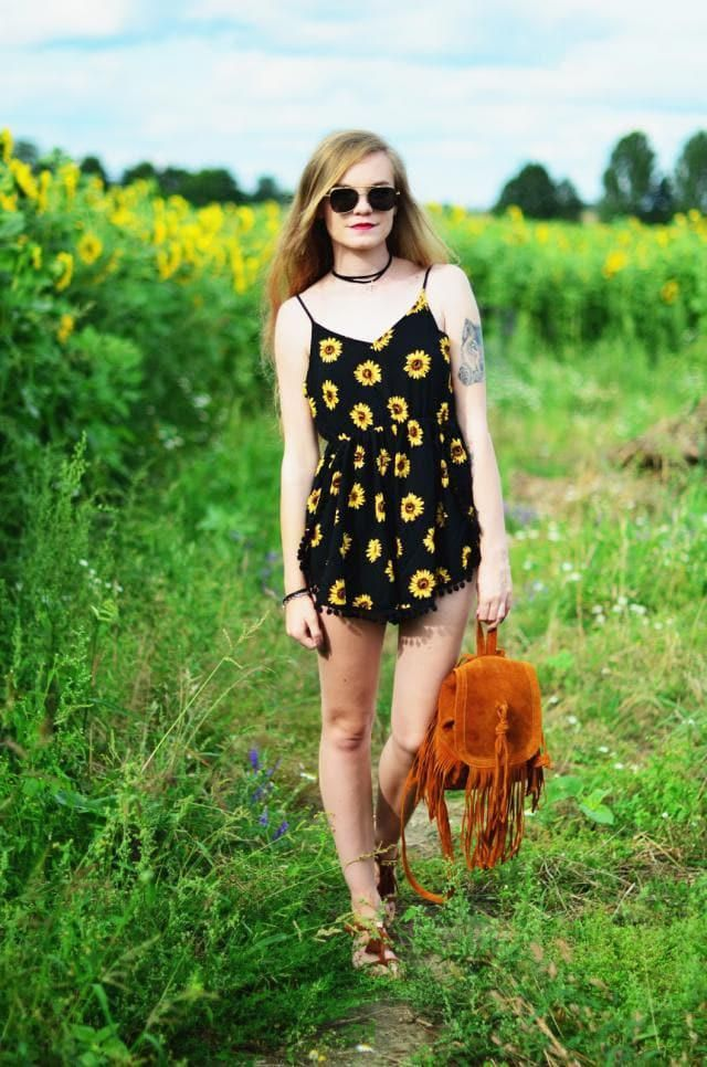 I love sunflower print,get it now on zaful