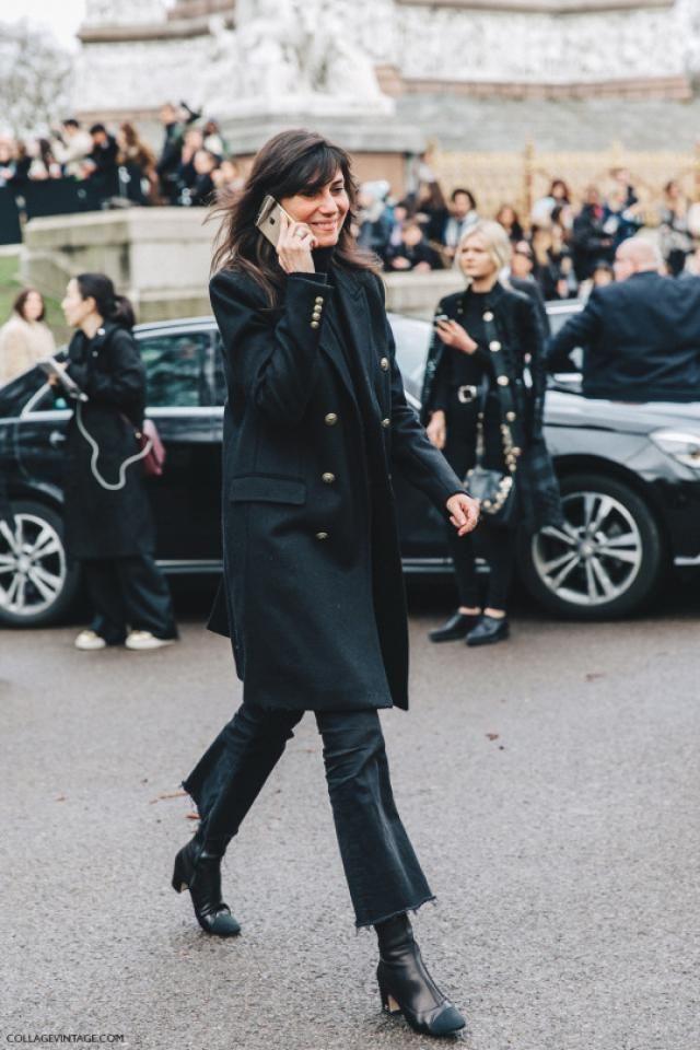 Black coat<<