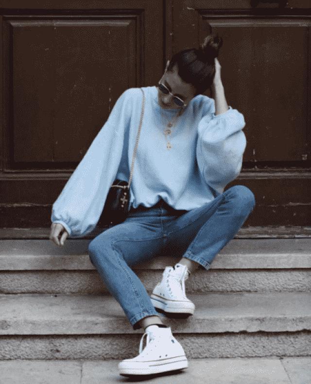 `s fashion Nice blue sweater