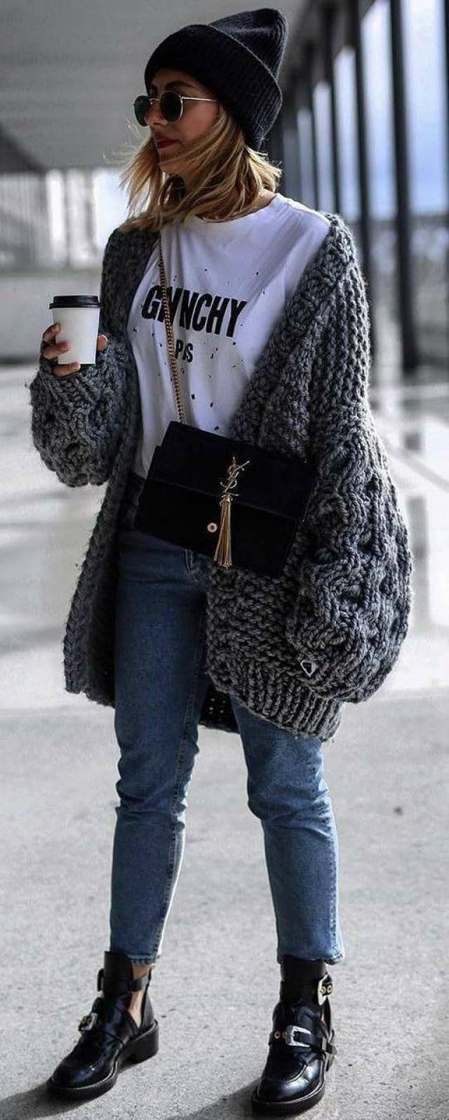 Gorgeous outfit to get your coffee with!