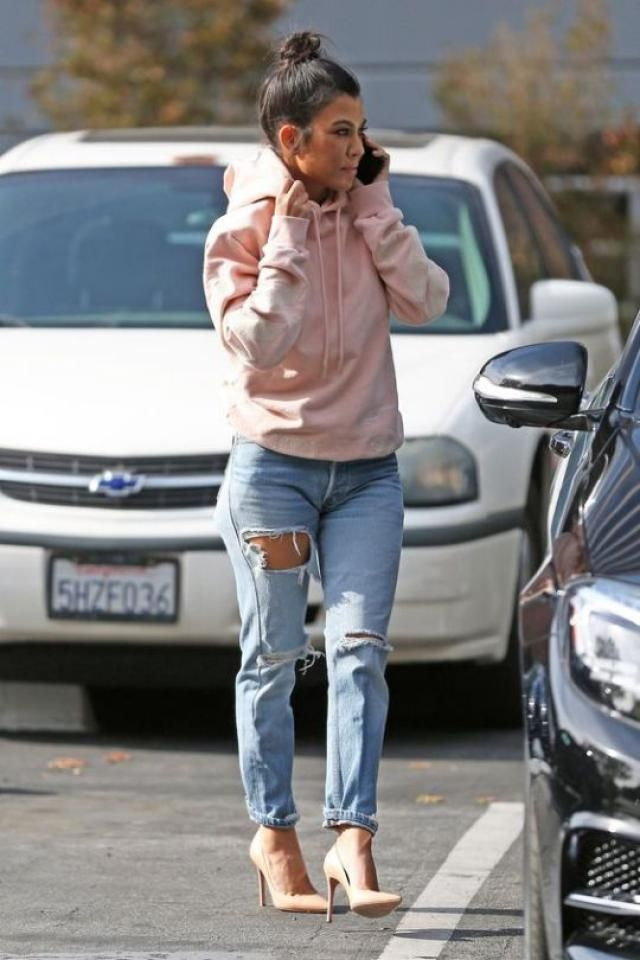 Distressed Frayed Hem Tapered Jeans with a pink hoodie and pink pumps..GORGEOUS