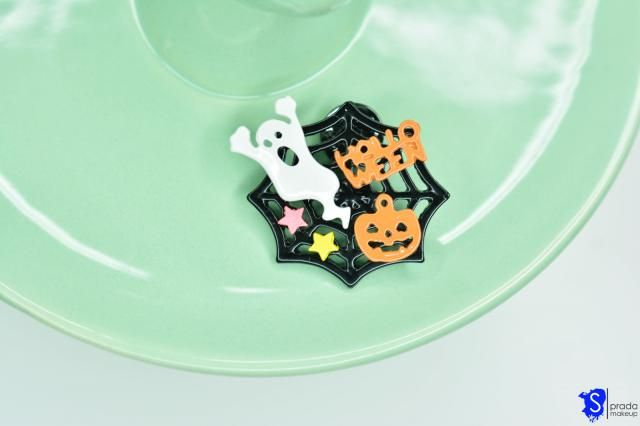 Another sppoky brooch. Boo!