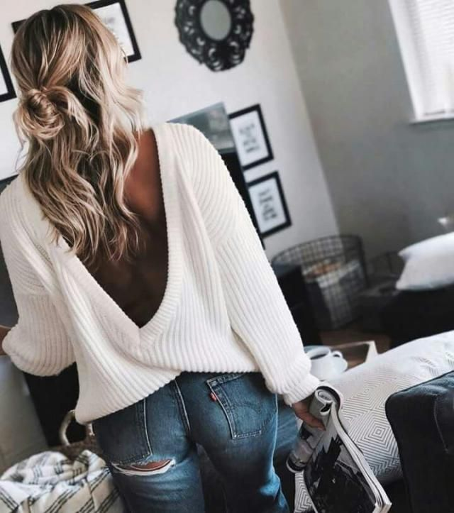 this sweater is so pretty