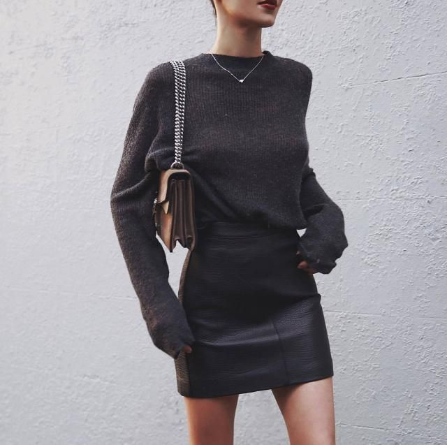 chic!! love the grey sweater