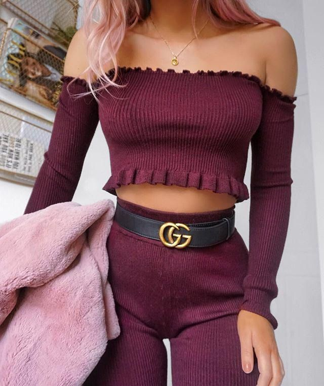 This outfit is goals off shoulder tops are always beautiful love this top especially in this color