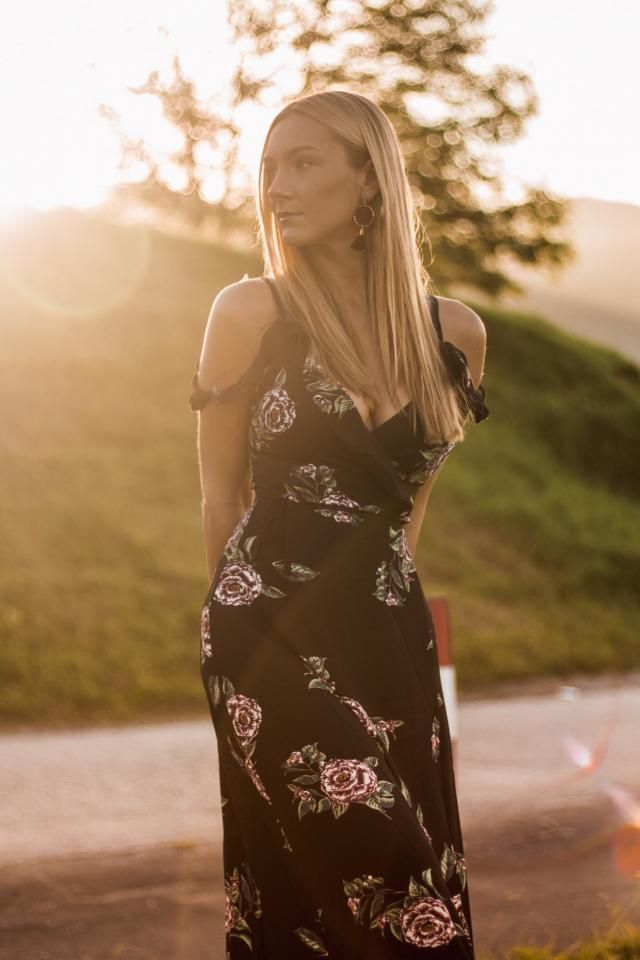 Black florar dress with sunset <3