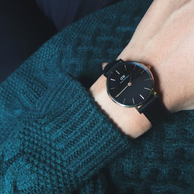 Cool black watches only in zaful colection with nice green sweater